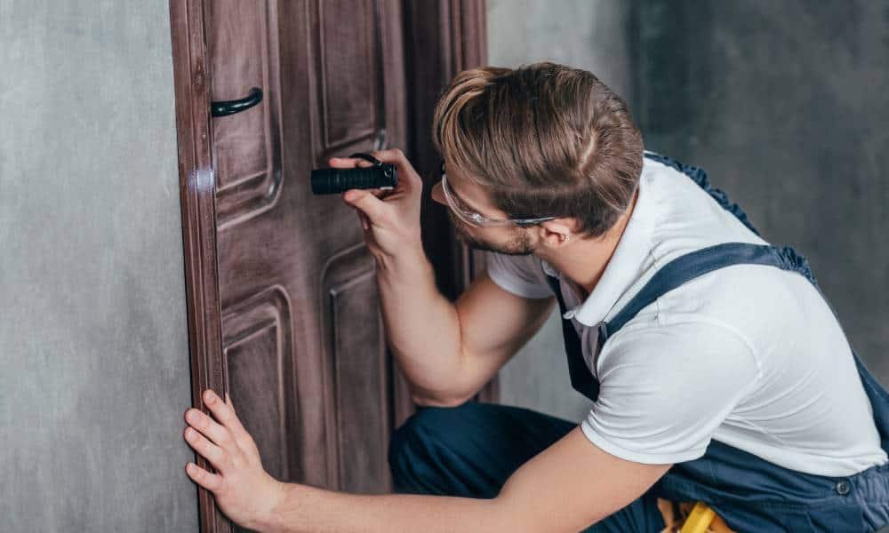 Awaryjne otwieranie drzwi